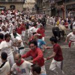 bulls-and-runners-at-la-curva-pamplona