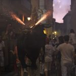 fireworks-bull-and-families-in-pamplona