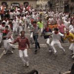 runners-and-bulls-on-mercaderes-street-pamplona
