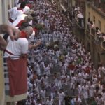watching-bull-run-from-estafeta-balcony-pamplona